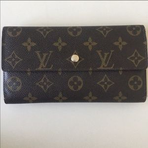 Louis Vuitton Signature Wallet